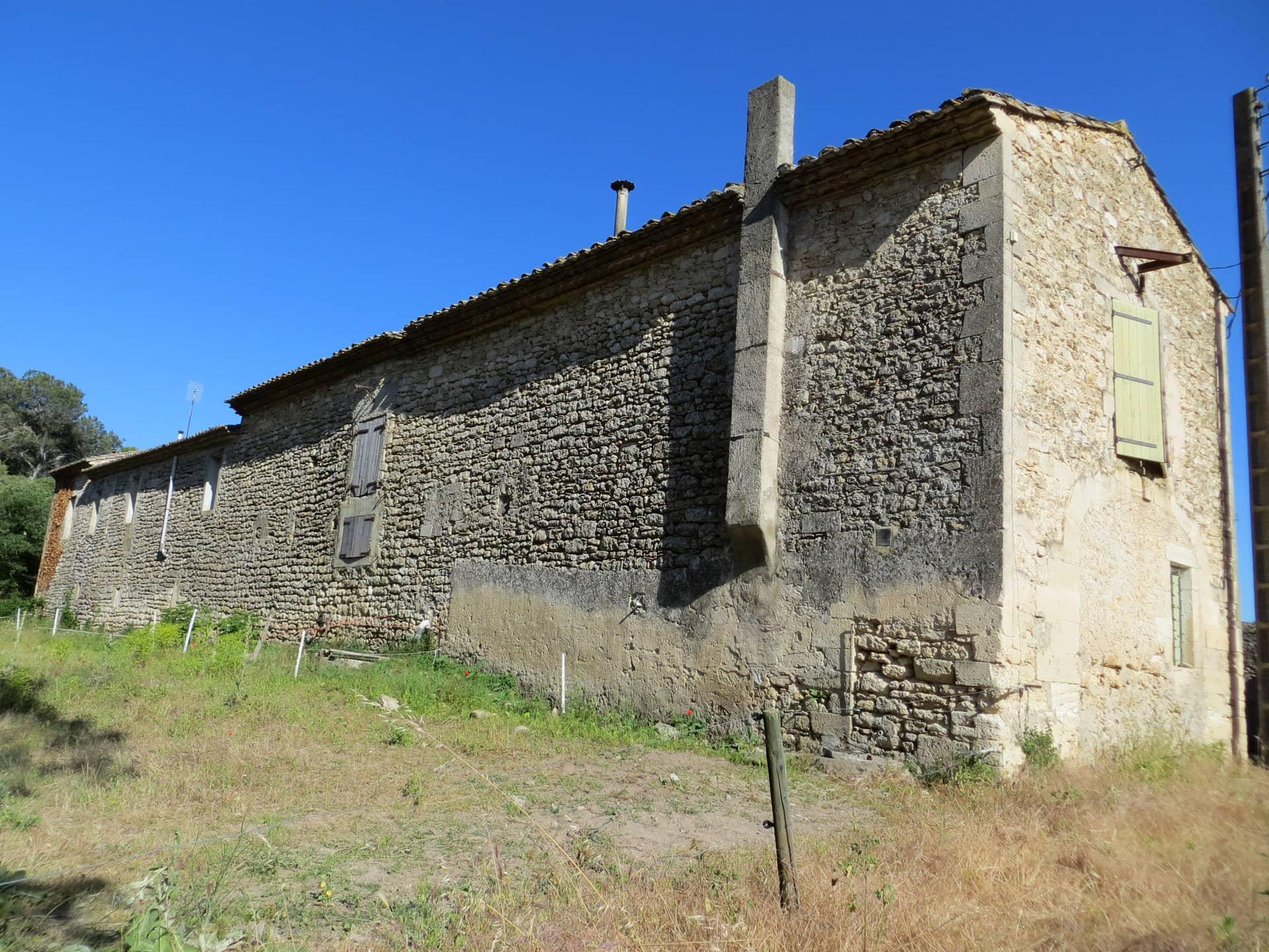 Bâtisse ancienne du Domaine de Christin