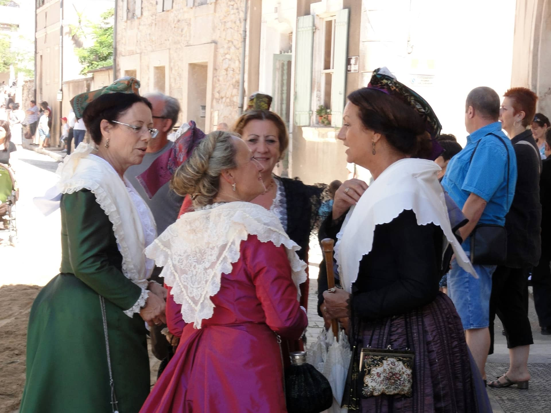 Les costumes traditionnels du Gard