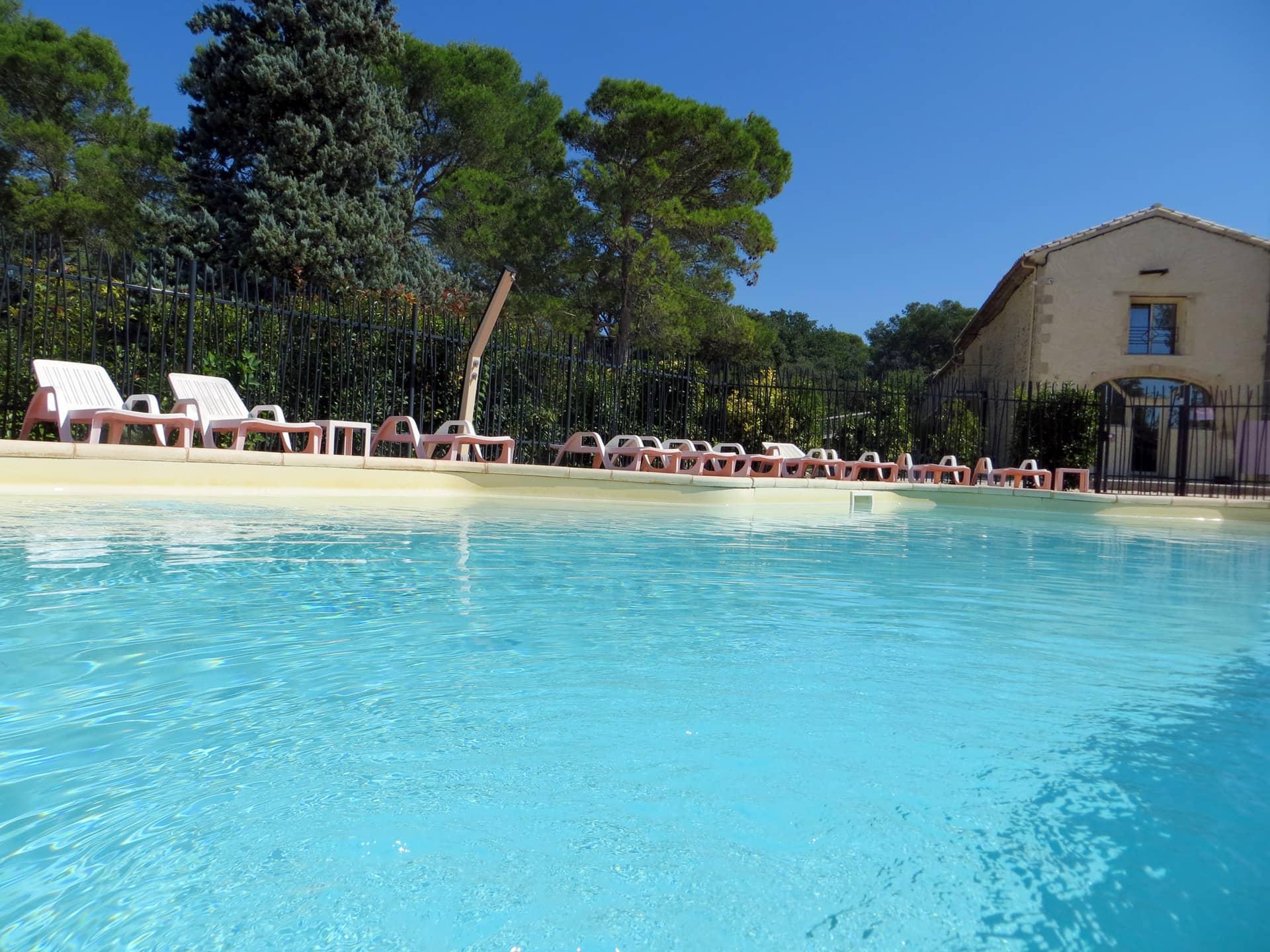 Superbe piscine du Domaine de Christin