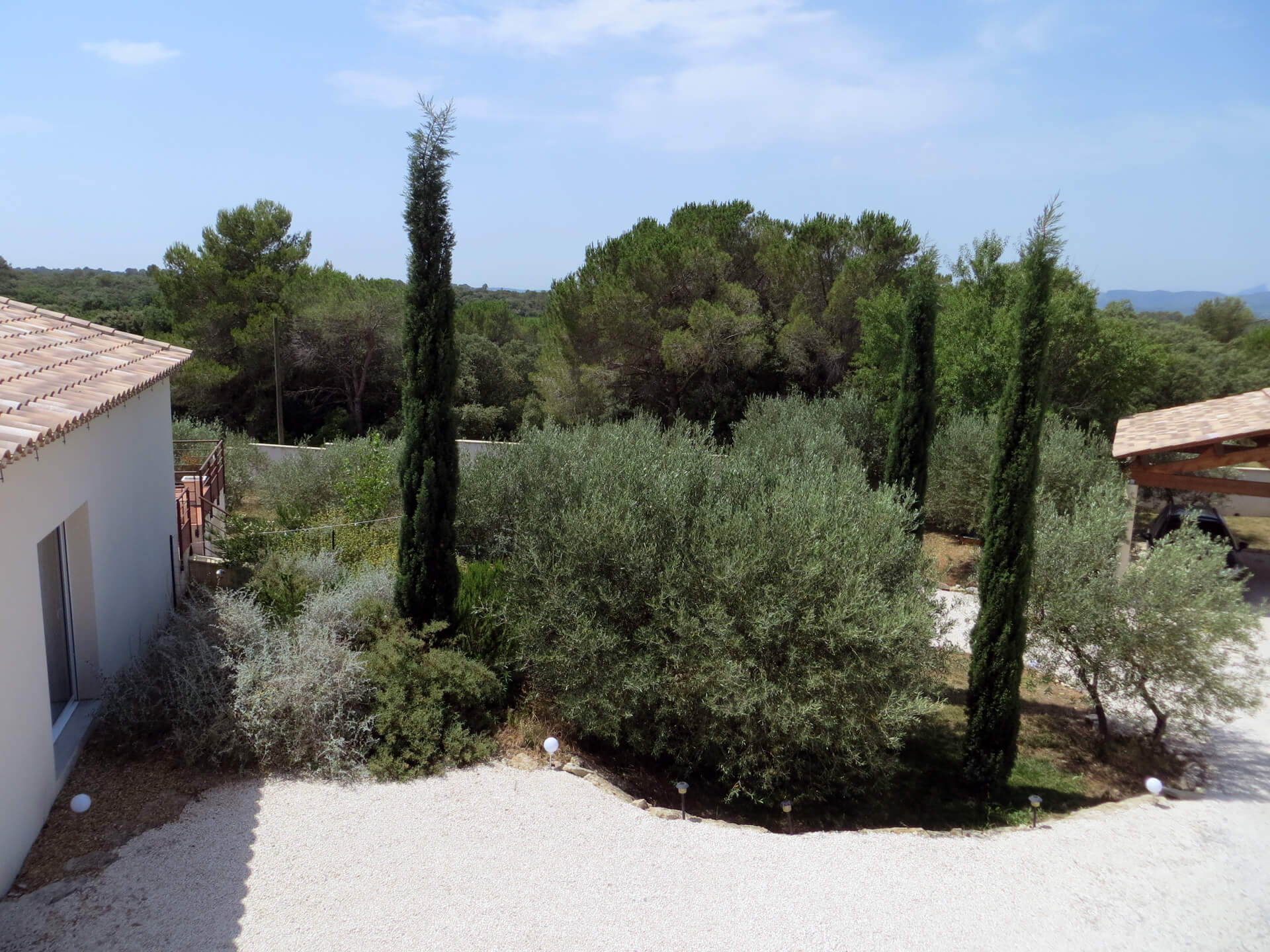 Entrée de la villa Picholine Domaine de Christin